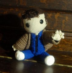 i am not usually one for the crochet thingys, but i heart heart this! ;)  Doctor Who the Sackboy by MiCrochets on Etsy, $85.00