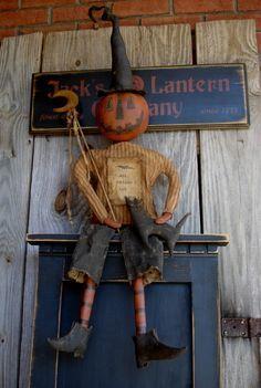 Love this guy! Primitive Halloween Decor, Primitive Pumpkin, Primitive Folk Art, Primitive Crafts, Primitive Christmas, Country Christmas, Christmas Christmas, Primitive Autumn, Americana Crafts