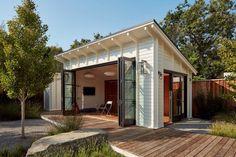 48 Amazing Backyard Studio Shed Design - Gartenhaus diy Shed Office, Backyard Office, Backyard Studio, Outdoor Office, Backyard Cabana, Backyard Storage Sheds, Backyard Sheds, Shed Storage, Garden Sheds