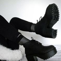 vagabond dioon black ankle boots