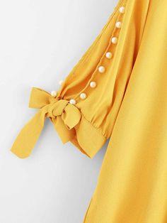 Kurti Sleeves Design, Sleeves Designs For Dresses, Kurta Neck Design, Neck Designs For Suits, Dress Neck Designs, Sleeve Designs, Blouse Designs, Girls Dresses Sewing, Stylish Dresses For Girls