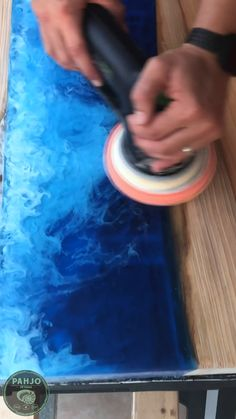 In this video, learn how to polish an epoxy wood table using Festool MPA 5010 Polishing Compound. I show you how to apply polish and when to use polish on epoxy wood projects. wood videos How to Polish Epoxy Resin Wood Table - Wood Finishing Diy Furniture Videos, Resin Furniture, Diy Pallet Furniture, Diy Furniture Projects, Diy Wood Projects, Steel Furniture, Furniture Hardware, Deco Furniture, White Furniture