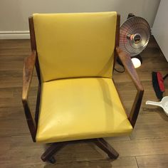 Toronto, Chair, Furniture, Home Decor, Recliner, Homemade Home Decor, Home Furnishings, Decoration Home, Chairs