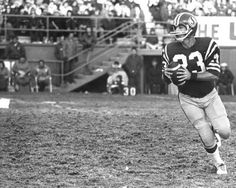 """QB Ron Lancaster - """"The Little General"""" - Saskatchewan Roughriders 1966 Saskatchewan Roughriders, Canadian Football, Rough Riders, Football Stuff, Lancaster, American, Blue"""