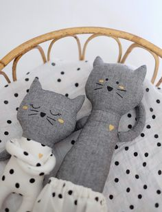 Silly & Billy - Petit doudou chat - Angus x S&B Grand Chat, Sewing Stuffed Animals, Fabric Toys, Cat Doll, Sewing Dolls, Cute Toys, Soft Dolls, Felt Toys, Doll Crafts