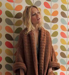 Veste d'automne. Crochet cardigan