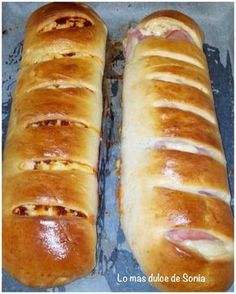 INGREDIENTES: ( para un pan enorme o dos como los de las fotos) 250 grs de leche 50 grs de mantequilla 50 grs de azúc... Biscuit Bread, Pan Bread, Bread Recipes, Cooking Recipes, Venezuelan Food, Venezuelan Recipes, Pan Relleno, Salty Foods, Latin Food