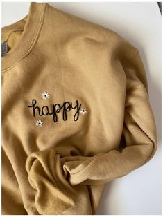 Embroidery On Clothes, Simple Embroidery, Shirt Embroidery, Embroidered Clothes, Hand Embroidery Patterns, Embroidery Thread, Indian Embroidery Designs, Embroidered Sweatshirts, Diy Vetement