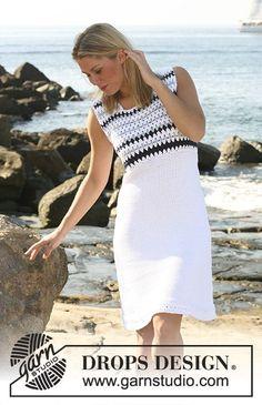 Strikket DROPS kjole i Paris med hæklet bærestk. Str S - XXXL. Gratis opskrifter fra DROPS Design.