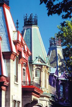 The Victorian houses in Square St-Louis, #Montreal
