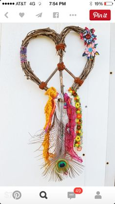 love this 60's inspiration dream catcher!!