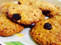 Biscuiti de ovaz cu morcov si stafide-gustoshi Protein, Deserts, Cookies, Food, Sweet Treats, Biscuits, Desserts, Meal, Essen