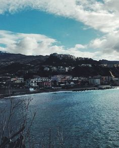 Think yourself. #unangeloinviaggio  Edit with @vscoG3  #italia #italy #calabria #vsco #vscocam #vscoitaly #landscape #landscapephotography #landscape_captures #landscape_lovers #amazing #awesome #bestoftheday #beautiful #beautifuldestination #photography #photo #photooftheday #travel #traveling #trip #exploring #explore #sea #sky #clouds #adventure #igersoftheday