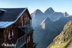 10.000 Höhenmeter, 100km Wanderwege und 9 Etappen auf dem Stubaier Höhenweg. Wanderfilm und viele Informationen >>>