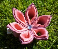 Kanzashi flower hair alligatorclip made by me
