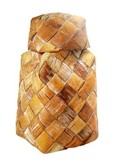 Salt pot | Finland | Santeri Jekkonen | plaited birch bark strips.