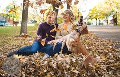 Wiener dog Louie photobombs his owner's engagement photos;D Photo by Karin Berdal Engagement Couple, Engagement Pictures, Engagement Shoots, Engagement Photography, Pet Photography, Images D'engagement, Mans Best Friend, Photo Sessions, Cute Dogs