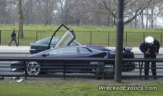 Lamborghini Diablo crashed