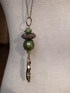 Sautoir camouflage -Perle FIMO hand made couleur mousse, cristal monté sur chaine bronze-Collection Weekend : Collier par perles-et-petales