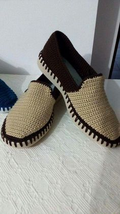 Fashion and Lifestyle Crochet Sandals, Crochet Shoes, Crochet Slippers, Crochet Boots Pattern, Shoe Pattern, Crochet Flip Flops, Shearling Slippers, Crochet Videos, Footwear
