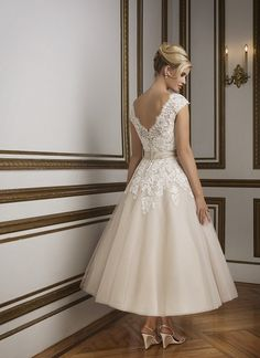 Promotion Dresses 2016 tea length wedding dresses Sweetheart Neck A-Line Lace Champagne Wedding Gowns robe de mariee sirene Ivory Lace Wedding Dress, Tea Length Wedding Dress, Tea Length Dresses, Bridal Wedding Dresses, Wedding Dress Styles, Ball Dresses, Ball Gowns, Dresses 2016, Prom Dresses