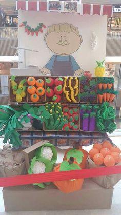 . Farm Crafts, Preschool Activities, Diy And Crafts, Crafts For Kids, Arts And Crafts, Paper Crafts, Diy Paper, Vegetable Crafts, Class Decoration