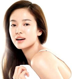 Celebrity Secrets to Clear, Vibrant and Youthful Skin More Korean Celebrity Skin Care Secrets Beauty Hacks Skincare, Korean Skincare Routine, Skincare Blog, Beauty Products, Skin Care Regimen, Skin Care Tips, Korean 10 Step Skin Care, Tips Belleza, Flawless Skin