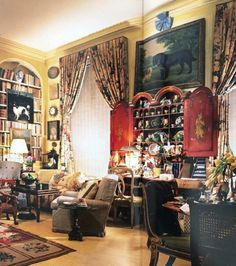 Mario Buatta Manhattan apartment for sale New York City Dolly Lenz Prince of Chintz 120 E. One Room Apartment, Manhattan Apartment, Mario Buatta, California Bedroom, English Country Style, Living Furniture, Furniture Sale, Cheap Furniture, Bedroom Furniture