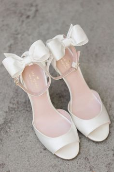 White bow heels wedding shoes
