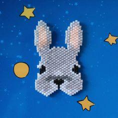 La Sainte Trinité lapin renard chat est respectée! J'ai fait mes modèles pour chacun, même si je trouve le lapin un peu tristounet... Ça sera l'occasion de le refaire. #jenfiledesperlesetjassume #perleaddictannonyme #brickstitch #lapin #rabbit #miyukibeads #miyukidelica #tissageperles #motifpauline_eline