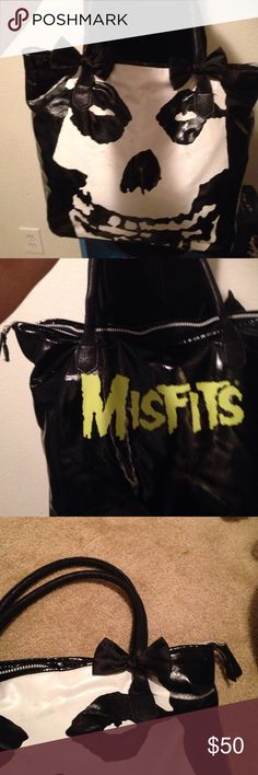 Misfits purse Misfits purse used but in good condition measures 16 by 13 Bags Hobos