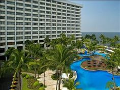 Manilla, Phillipines. It was a Westin at the time 1986. Great pool. Great drinks by the. Let's go back!
