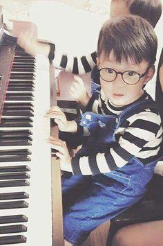 Daehan Cute Kids, Cute Babies, Baby Kids, Song Il Gook, Superman Kids, Man Se, Song Daehan, Song Triplets, Cute Songs