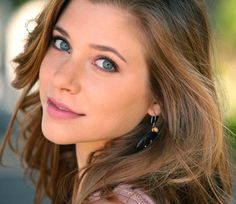 Skyler Day- 'Sophie Clarke' on Army Wives and 'Amy Ellis' on Parenthood. Love her <3