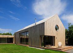 Guernsey, schuur, villa, Jamie Fella - Oude schuur omgetoverd tot prachtige villa - Wonen voor mannen