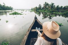 INDE DU SUD | NOTRE ITINERAIRE DE 10 JOURS DANS LE KERALA Kerala Backwaters, Panama Hat, Letting Go, Countryside, India, River, Beautiful, South India, 10 Days