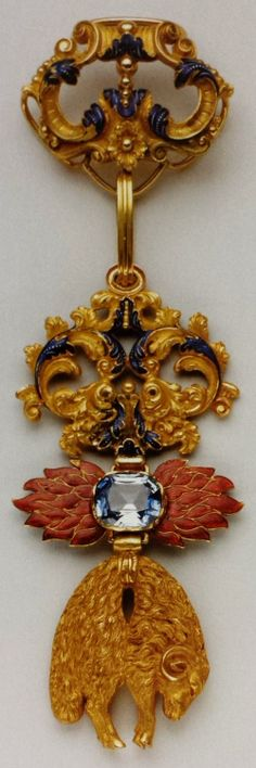 Spain, Golden Fleece Order, neck badge with saphire, 91 x 44mm, mid 19th C., Spada Collection.