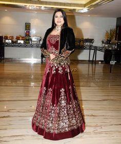 Aarti Surendranath at an awards show. #Bollywood #Fashion #Style #Beauty #Hot #Page3 Mugdha Godse, Bollywood Celebrities, Bollywood Fashion, Taapsee Pannu, Awards, Style Inspiration, India, Bridal, Formal Dresses