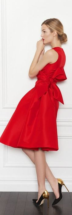 #CarolinaHerrera #reddress #red #nyedress #nye #dress #pointy #hells #metallic