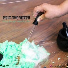 Melt the Witch Play Dough Sensory Bin. Wizard of Oz pretend play - 5 minutes to set up & kids can play for over an hour! Baking soda & vinegar experiment