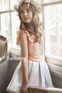 Conjunto Peach de Tartaleta. Blusa de lino con puntilla y falda de jacquard blanco. SS16