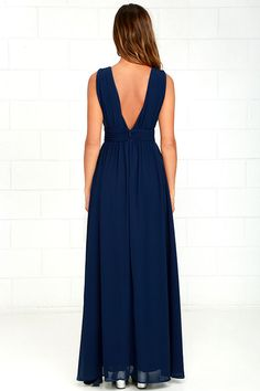 Lulus Exclusive! You'll be goddess-like for the entire evening in the Heavenly Hues Navy Blue Maxi Dress! Georgette fabric drapes alongside a V-neck and back, and lays across a banded waist. Full maxi skirt has a sexy side slit. Hidden back zipper with clasp.