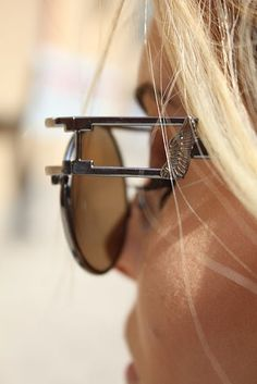 love the detailing in these sunnies.