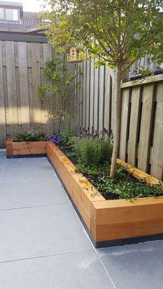 Houten plantenbak tuin