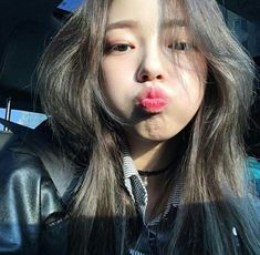 There are already 72 enthralling, inspiring and awesome images tagged with ulzzang couple Pretty Korean Girls, Cute Korean Girl, Beautiful Asian Girls, Beautiful Smile, Korean Girl Ulzzang, Ulzzang Girl Fashion, Ulzzang Girl Selca, Korean Beauty, Asian Beauty
