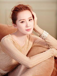 Graceful Liu Shishi poses for 'Rayli' magazine | China Entertainment News