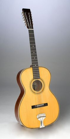 From the Bench Fraulini Guitars Guitar Pics, Jazz Guitar, Cool Guitar, El Rock And Roll, 12 String Guitar, Resonator Guitar, Guitar Shop, Guitar Design, Classical Guitar
