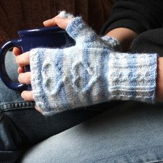Ravelry: With Love... fingerless mittens pattern by Piro