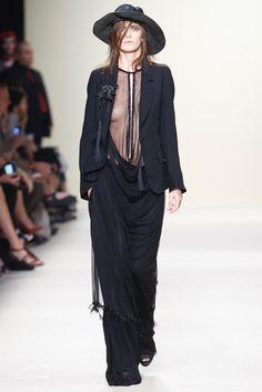 Ann Demeulemeester Spring 2012 Ready-to-Wear Fashion Show - Valerija Kelava (OUI)