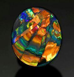 "bijoux-et-mineraux: Black Harlequin Opal ""The Cathedral Window"" - Lightning Ridge, Australia. That's an opal! Minerals And Gemstones, Rocks And Minerals, Mineral Stone, Opal Mineral, Beautiful Rocks, Rocks And Gems, Opal Gemstone, Stones And Crystals, Gem Stones"